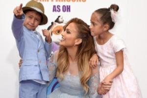 Дженніфер Лопес з дітьми