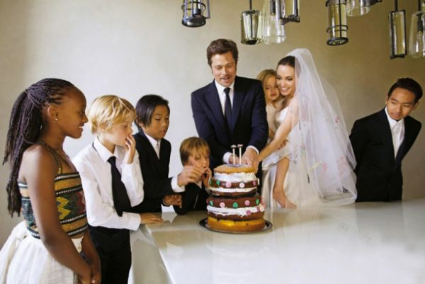 5280_angelina-and-brad-pitt-wedding-7.jpg (36.85 Kb)