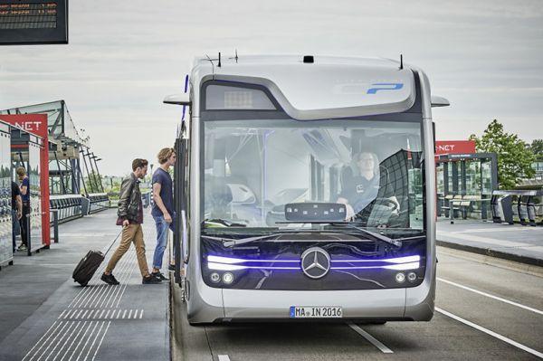 65_avtobus-budushhego-ot-mercedes-benz-etoday-03.jpg (.09 Kb)