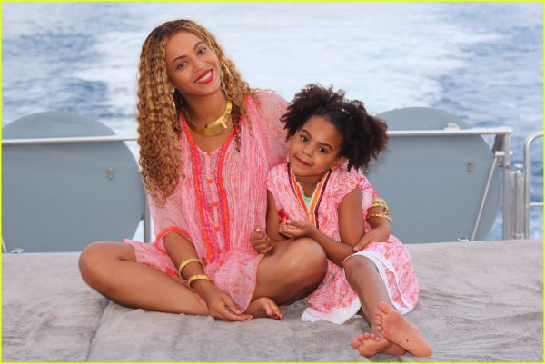 beyonce-jay-z-vacation-twins-photos-02.jpg (39.53 Kb)