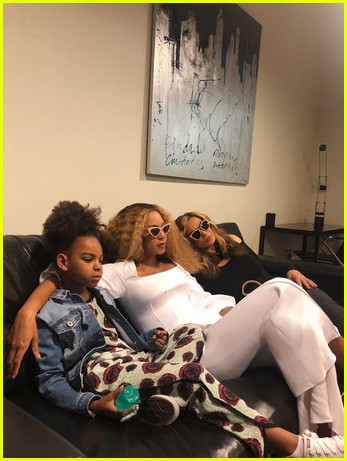 beyonce-jay-z-vacation-twins-photos-03.jpg (45. Kb)