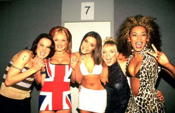 gallery-15180702-the-spice-girls-backstage-at-the-brit-awards.jpg (.07 Kb)
