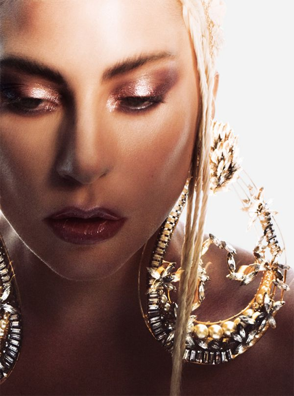 lady-gaga-allure-08.jpg (72.69 Kb)