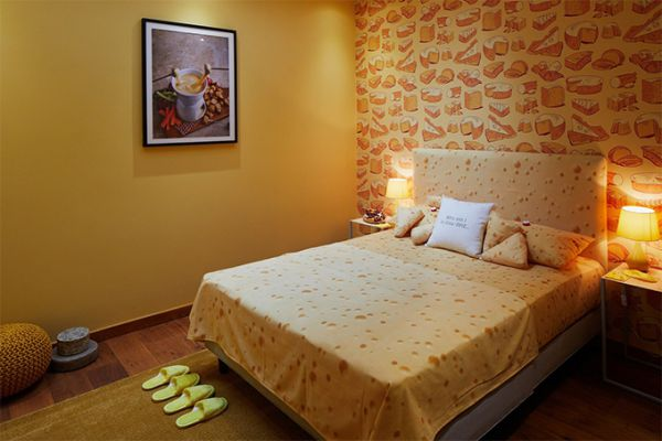 london-cheese-themed-hotel-suite-05.jpg (37.79 Kb)