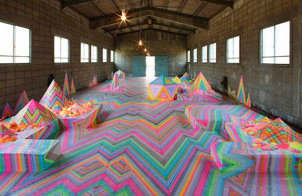 pink-candy-floor-installation-pin-and-pop-tanya-schultz-47.jpg (60.17 Kb)