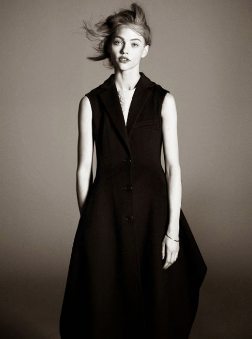 sasha-pivovarova-vogue-paris-david-sims-12.jpg (28.01 Kb)