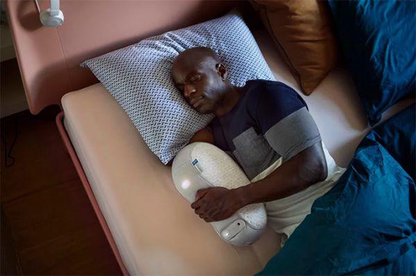 somnox-robot-pillow-sleep-technology-05.jpg (36.04 Kb)