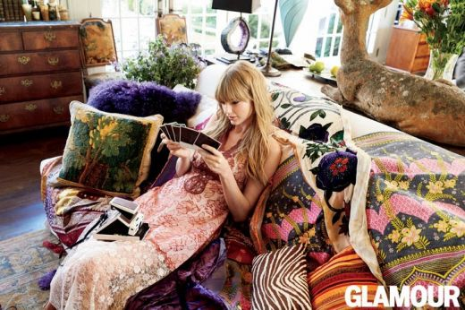 03-taylor-swift-glamour-cover-couch-1-w724.jpg (58. Kb)