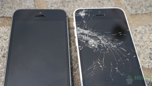 1379921992_iphone-5c-iphone-5s-drop-test-results-side-by-side-5-aa.jpg (22.19 Kb)