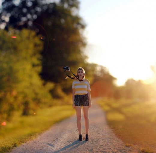 3440405-r3l8t8d-650-surreal-self-portraits-rachel-baran-21.jpg (31.05 Kb)