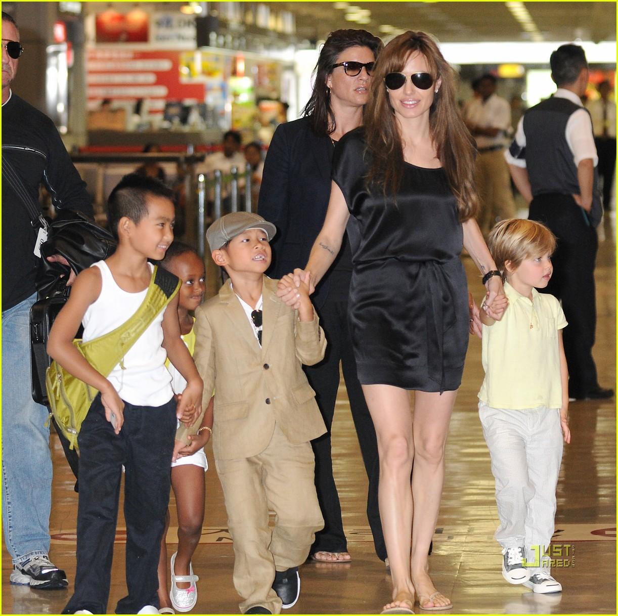Джоли дети свежие фото