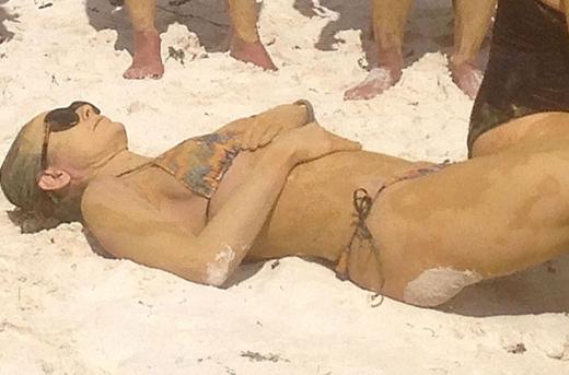 demi-moore-bikini-boot-camp-in-mexico-02-900x675.jpg (139.29 Kb)