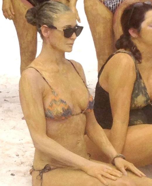 demi-moore-bikini-boot-camp-in-mexico-04-675x900.jpg (213.15 Kb)