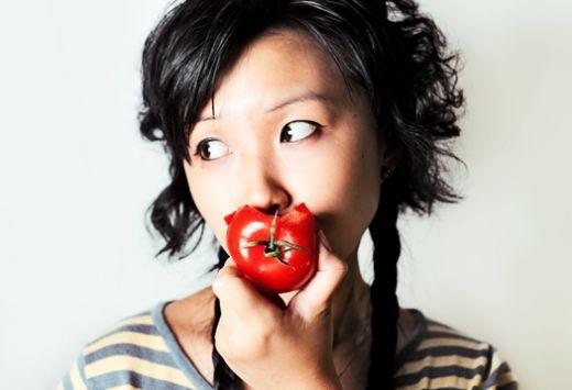 eat_tomato_1.jpg (23.55 Kb)