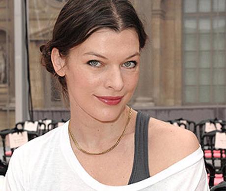 Актриса Милла Йовович решила изменить фамилию.