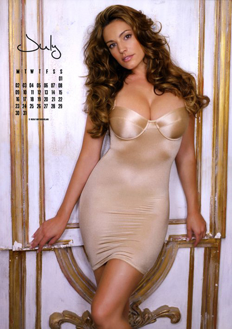 kelly-brook-2012-calendar-6.jpg (259.62 Kb)